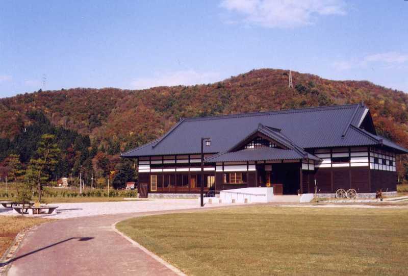 綾子舞会館