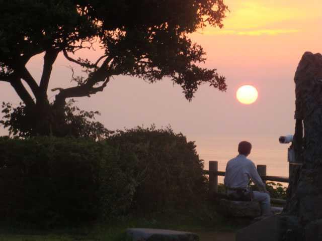 良寛と夕日の丘公園