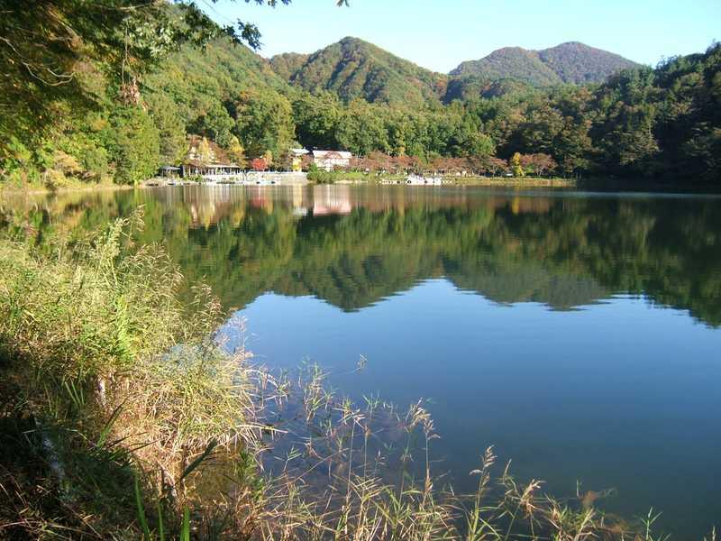 県立四尾連湖自然公園