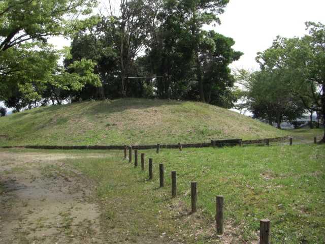 足立寺史跡公園