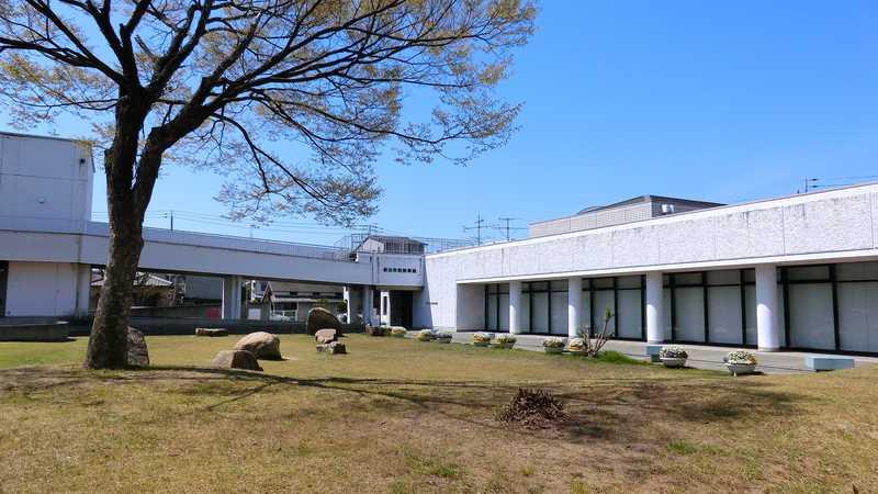 坂出市民美術館
