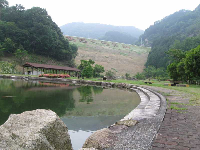 朝倉ダム湖畔緑水公園キャンプ場