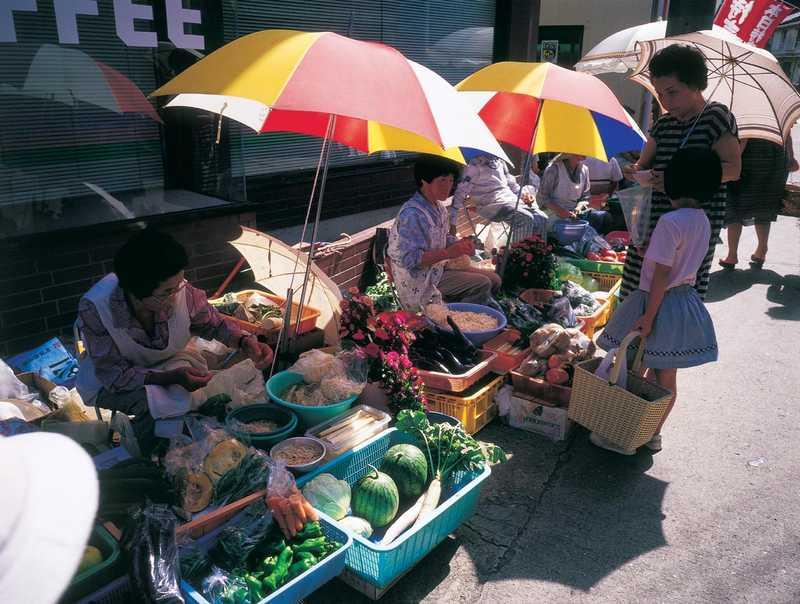 勝本朝市売場