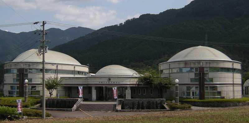 野村シルク博物館