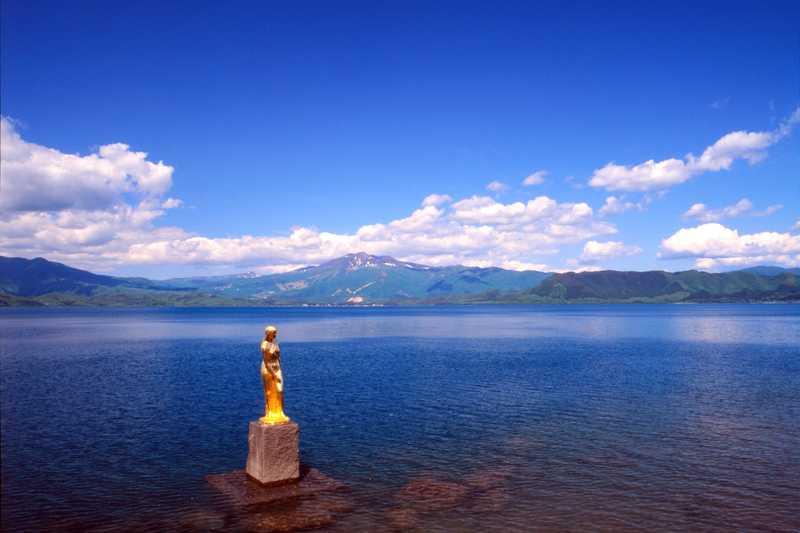 田沢湖たつこ像付近