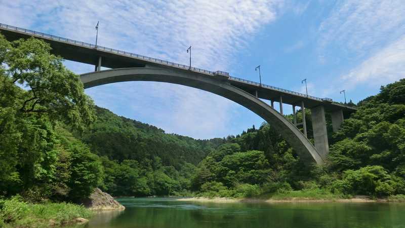 丸山大橋付近