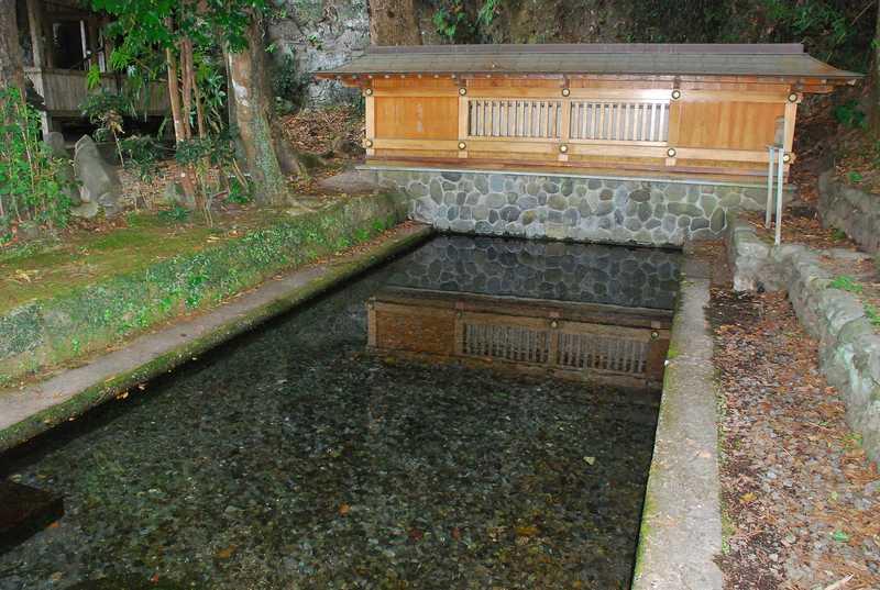 清水の湧水