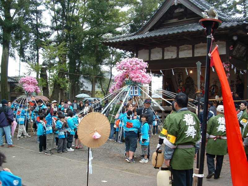 賀茂神社春季例大萬燈祭