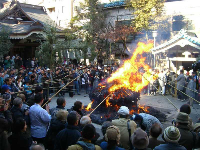 鳥越神社トンド焼