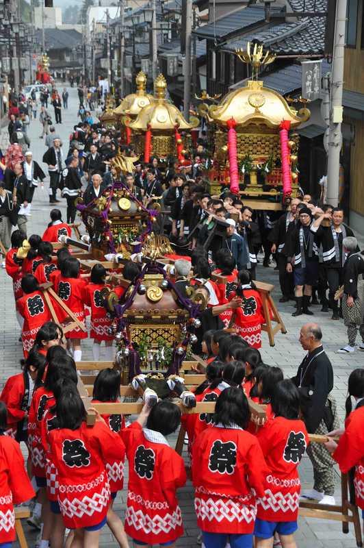 井波八幡祭