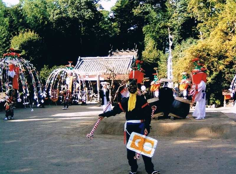 勝手神社の神事踊り