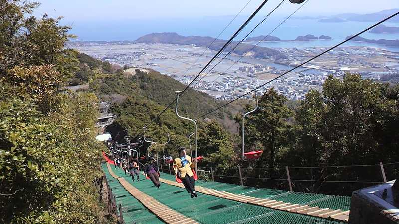津峯山参詣リフト