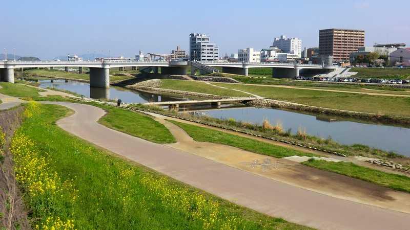 遠賀川中の島