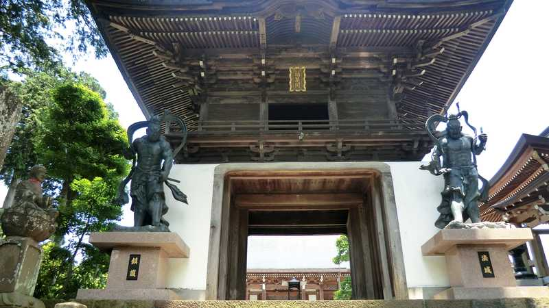 竜福寺の山門