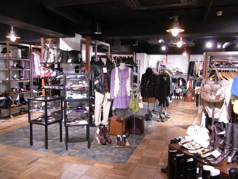 ラグタグ 新宿店