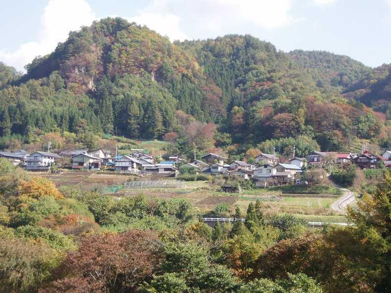 六合村赤岩