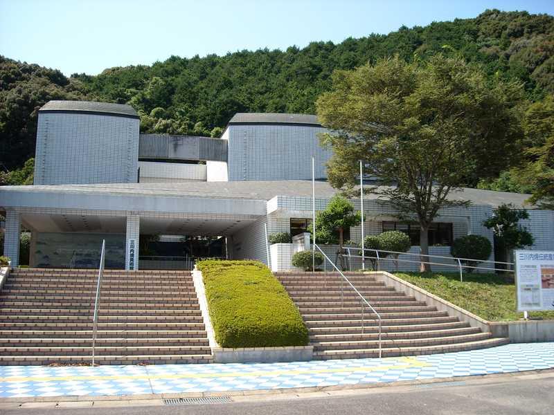 三川内焼伝統産業会館・三川内焼美術館