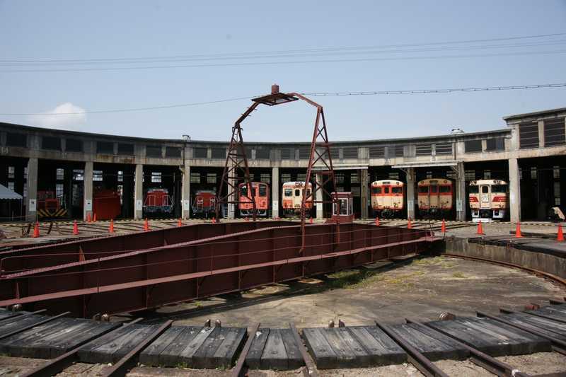 旧津山扇形機関車庫