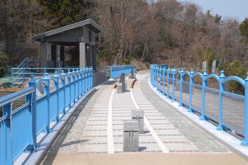鉄道アーチ橋メモリアルロード