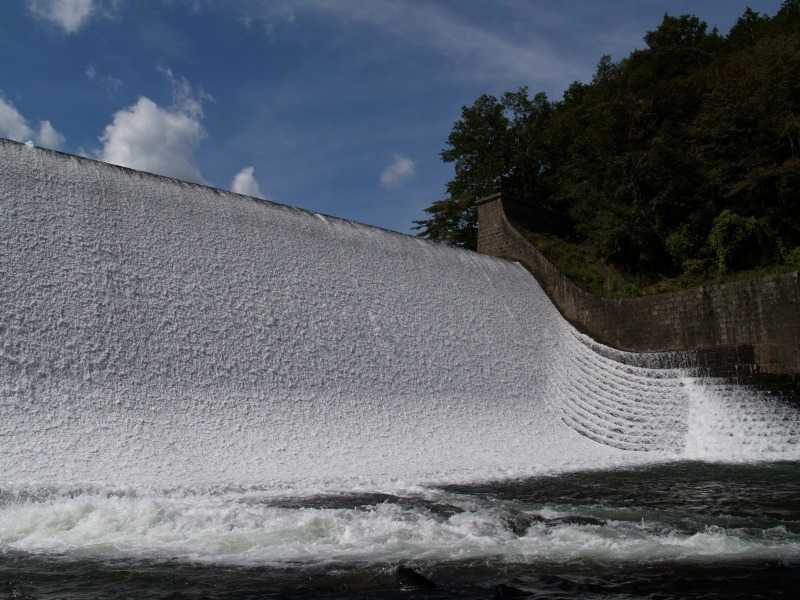 白水溜池堰堤(白水ダム)