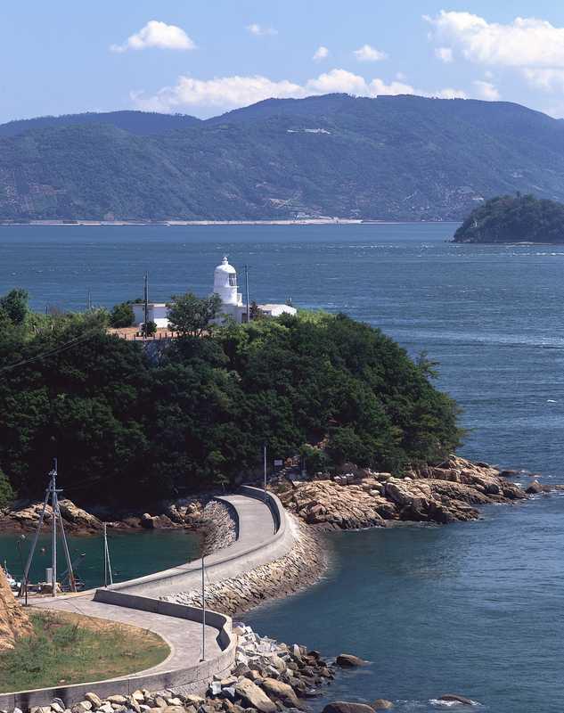 与島鍋島灯台