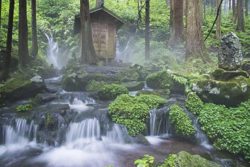 胴腹滝の名水