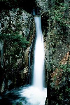 寂地峡五龍の滝