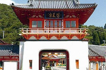 武雄温泉新館および楼門