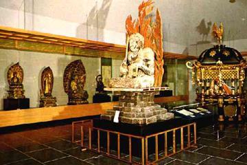 大山寺宝物館霊宝閣