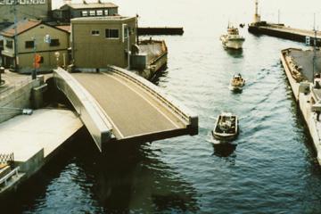 生地中橋の画像