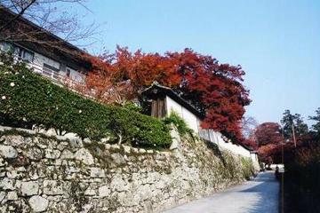 石積みの門前町 坂本