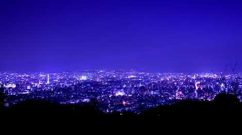 京都市営展望台から眺める京都市街の夜景(東山山頂公園)の画像