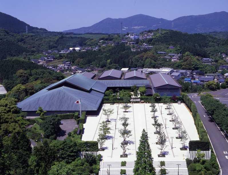 佐賀県立九州陶磁文化館の画像