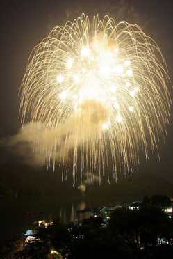 さがみ湖湖上祭花火大会の画像