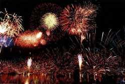 野尻湖灯ろう流し花火大会の画像