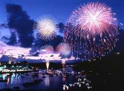 浜名湖かんざんじ温泉灯篭流し花火大会の画像